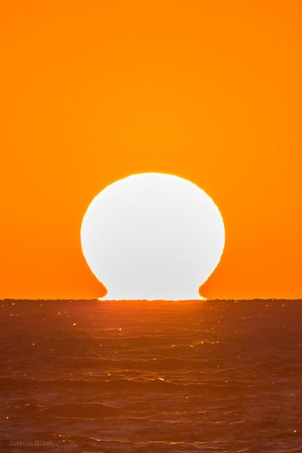 Sunset captured November 27, 2015 by Josh Blash at Venice beach, California.