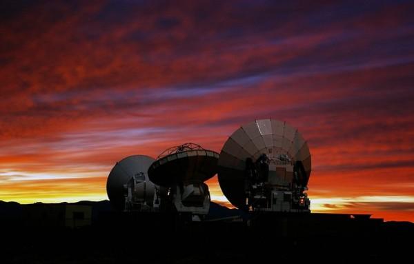 ALMA Prototype Antennas at the ALMA Test Facility. Photo credit: ESO/NAOJ/NRAO