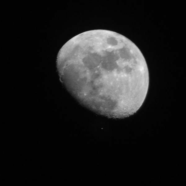 Just before the moon swept in front of Aldebaran, Hector Barrios in Hermosillo, Mexico, caught this photo.  Thank you, Hector!