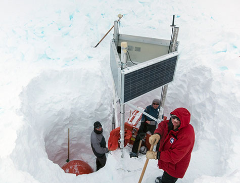 New seismic station at Thwaites Glacier. Image Credit: Mike Roberts.
