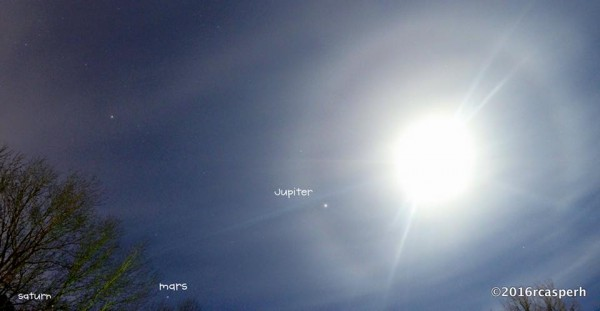 On the morning of January 26, many on the U.S. East Coast saw the moon with a halo around it, and Jupiter near the moon.  Photo by Rosie Caspar Hinkle in Gaston County, North Carolina.