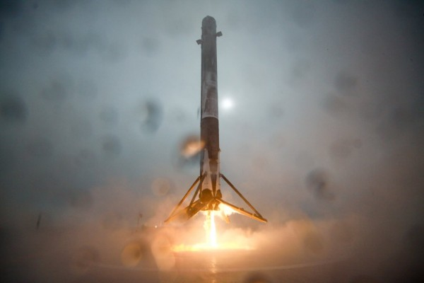 SpaceX Falcon 9 rocket approaches floating drone ship, seconds before tipping over in a spectacular crash. To see the crash, play the video below. Image via SpaceX.