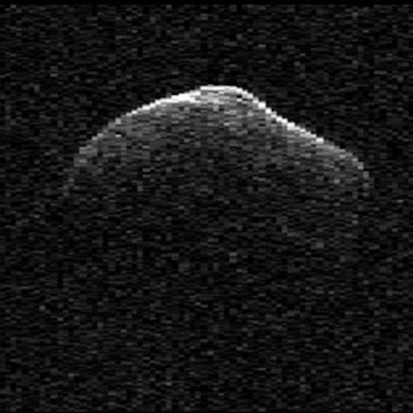 Radar images of comet P/2016 BA14 were taken on March 23, 2016, by scientists using NASA's Goldstone Radar in California. At the time, the comet was about 2.2 million miles (3.6 million kilometers) from Earth. Image via NASA/JPL-Caltech/GSSR