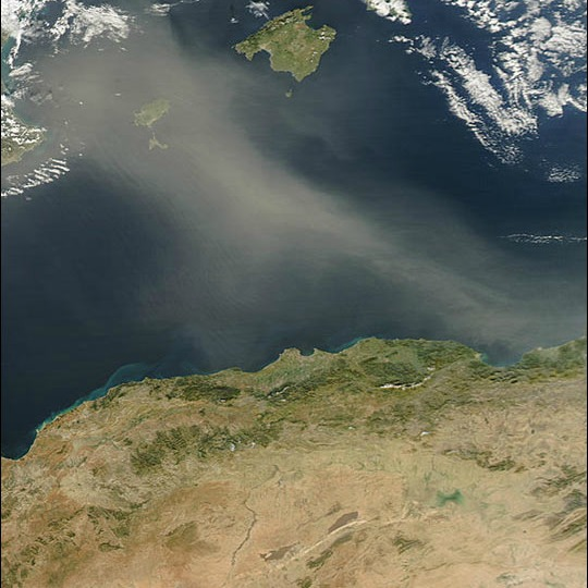 Example of dust plume from North Africa over the Mediterranean Sea Photo: Jeff Schmaltz, MODIS Rapid Response Team, NASA GSFC