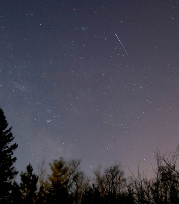 Bob King captured this wide-angle photo of 252P/LINEAR on April 1.  He wrote: