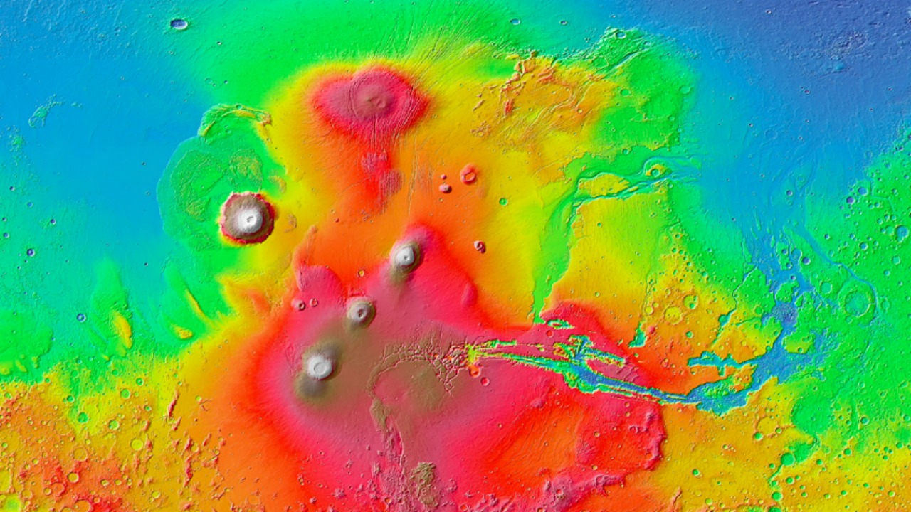 The Valles Marineris region on Mars, where Alberto Fairén and other astronomers examined tsunami-affected shorelines from meteor impacts. Image via NASA/JPL-Caltech