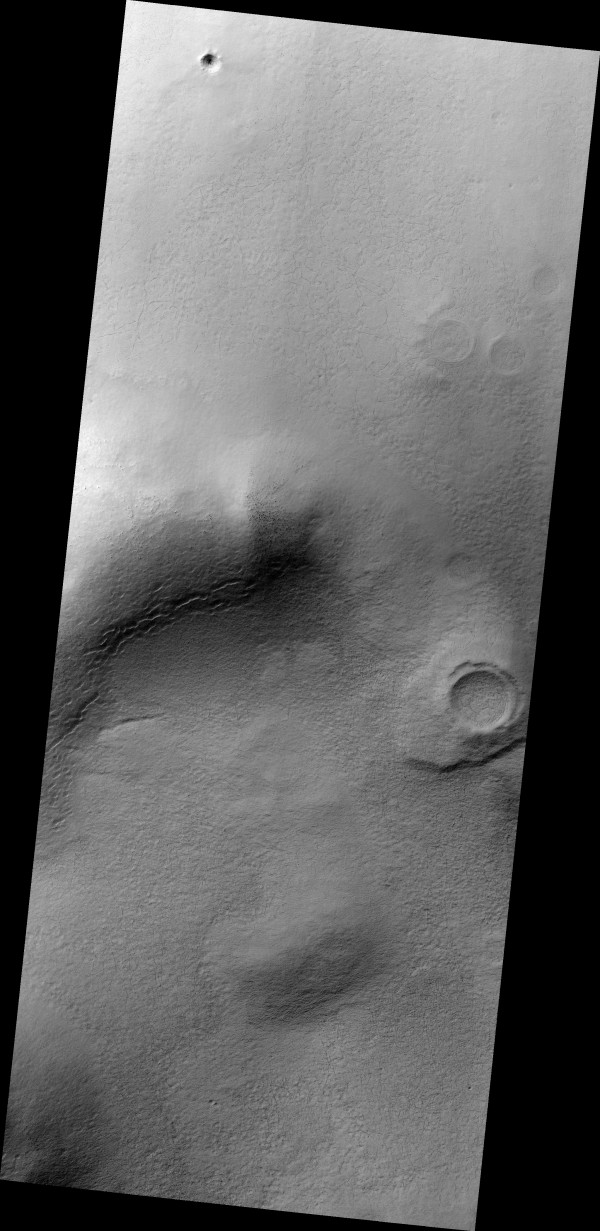Possible ancient small highlands volcano in the Sisyphi Montes region of southern Mars. Image via HiRISE camera/NASA/JPL/University of Arizona