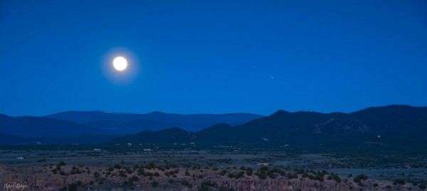 Moon and Mars rising on May 21, 2016. April Singer Photography wrote: