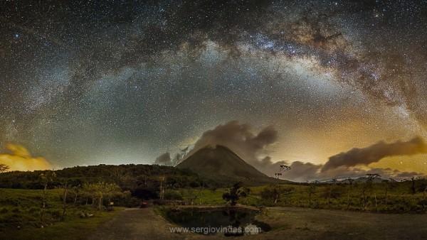View larger. | Photo taken April 11, 2016, in La Fortuna de San Carlos, Costa Rica, by Sergio Vindas. Visit Sergio online.