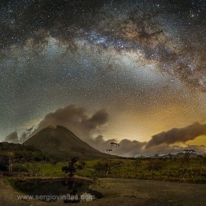 Photo taken April 11, 2016, in La Fortuna de San Carlos, Costa Rica, by Sergio Vindas. Visit Sergio online.