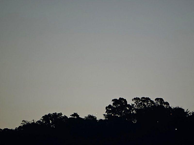 Helio C. Vital caught Venus, too, on July 4, 2016. See it just above the treetops?