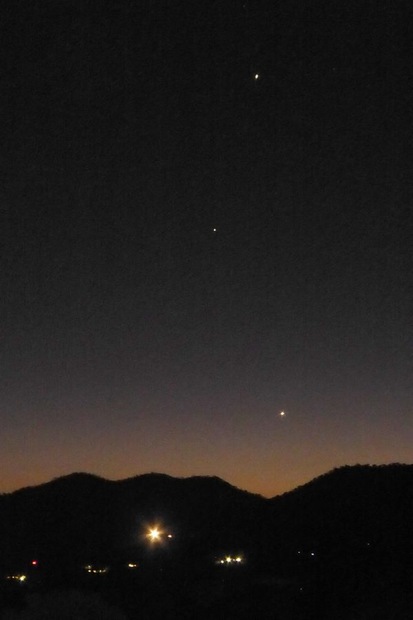 Peter Lowenstein caught Venus (bottom) and Jupiter (top), with Mercury in between on August 12, 2016. He's in Mutare, Zimbabwe, at about 19 degrees S. latitude.