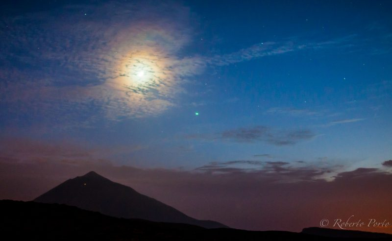 Moon ( with lunar corona) and Jupiter over Volcano Teide, in Tenerife, Canary Islands, Spain. Photo by Roberto Porto.