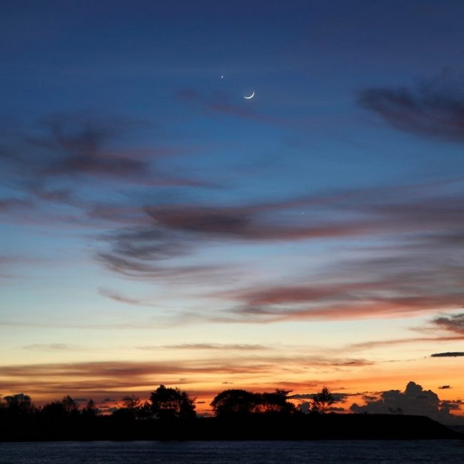 The moon and Venus on September 3, over the South China Sea, via Zefri Besar.