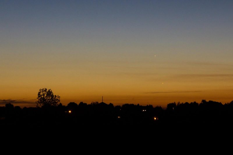 Rod Cerkoney in Ft. Collins, Colorado caught the pair the day before the conjunction, October 10. He wrote: