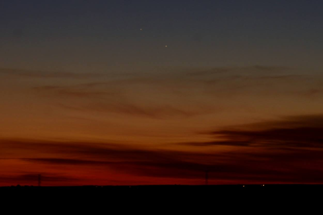 Mercury (left) and Jupiter (right) on the morning of October 11 from Madrid, Spain via our friend Annie Lewis.