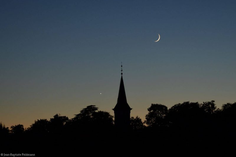 Venus and moon seen from France, by Jean-Baptiste Feldmann.