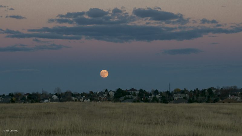 Rod Cerkoney in Fort Collins, Colorado caught the November 13 supermoon. He wrote: