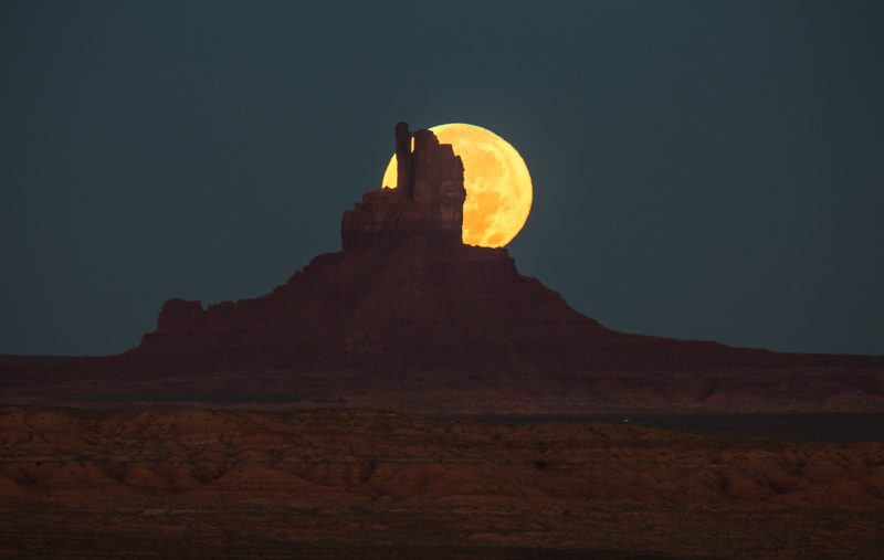 Will Saunders caught the moonset - at nearly the crest of the moon's full phase - on the morning of November 14 from Monument Valley, on the Utah-Arizona border.