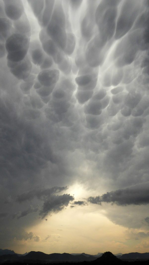 Mammatus clouds under approaching anvil, Mutare,  Zimbabwe, December 4. Photo by Peter Lowenstein.