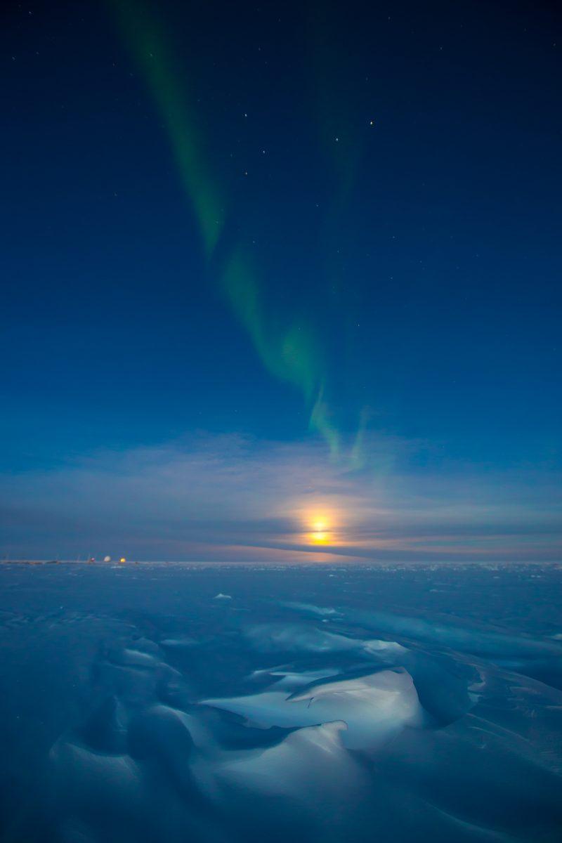 southern lights over south pole earth earthsky
