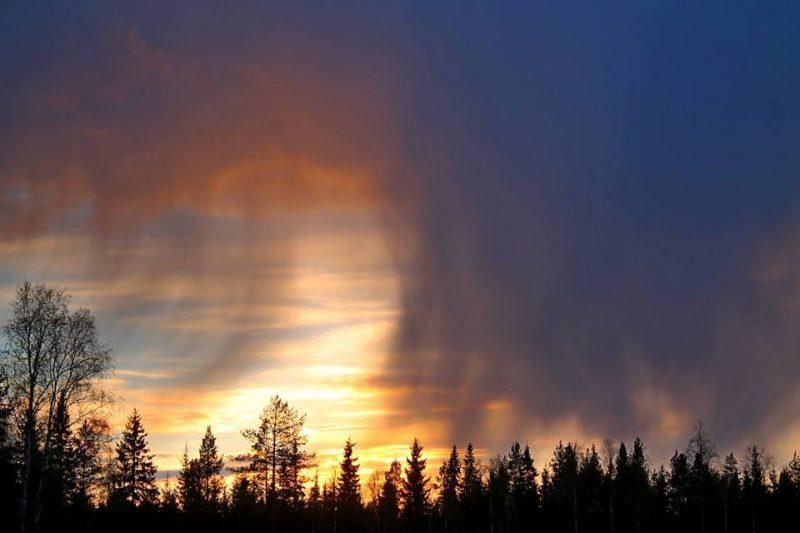 Virga Clouds Virga is rain t...