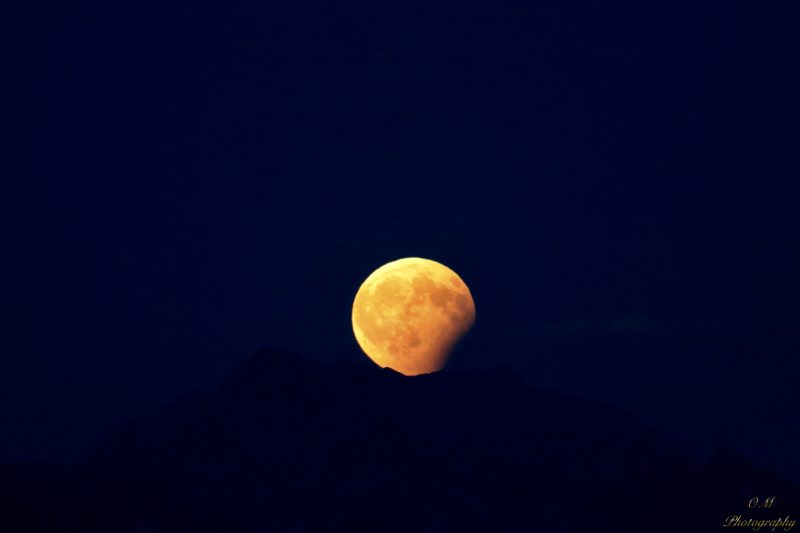 See it! Full moon and partial eclipse | Human World | EarthSky