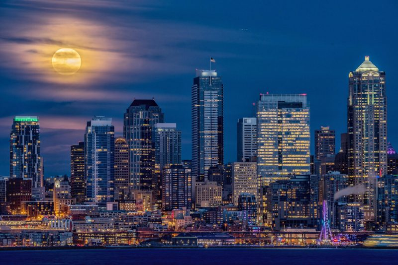 january 1 2018 full supermoon over seattle washington from gary peltz see more photos of the january 1 2018 supermoon