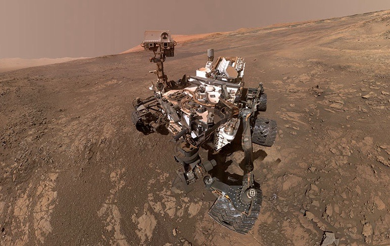 Curiosity rover films Mars panorama of the mission's complete journey