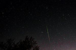 long green streak of Geminid meteor