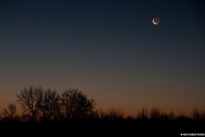 Moon and Jupiter before sunrise January 22
