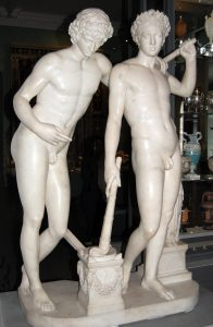 Nude statues of Castor and Pollux.