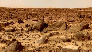 Water in the shadows of boulders on Mars? | EarthSky.org