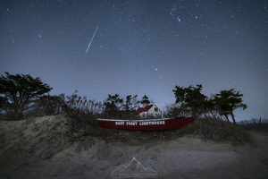 A Leonid streaks over East Point Lighthouse in New Jerey.