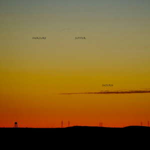 A twilight sky with Mercury, Saturn and Jupiter marked.