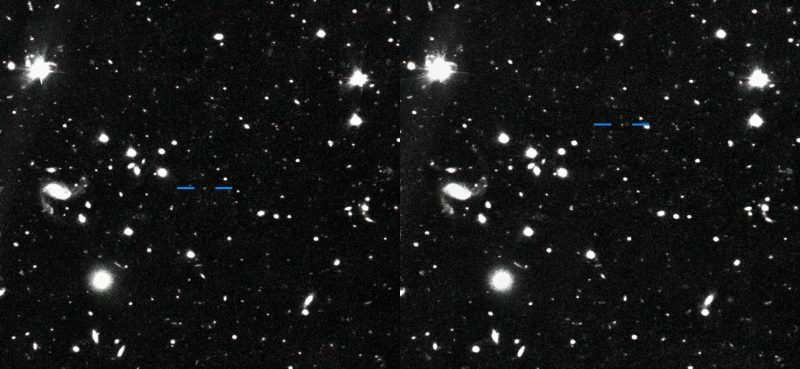 Side-by-side starfields with short blue lines marking object.