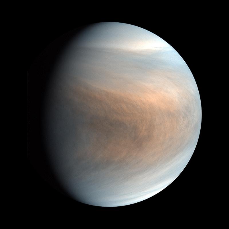 Плотные цветные облака на планете в космосе.