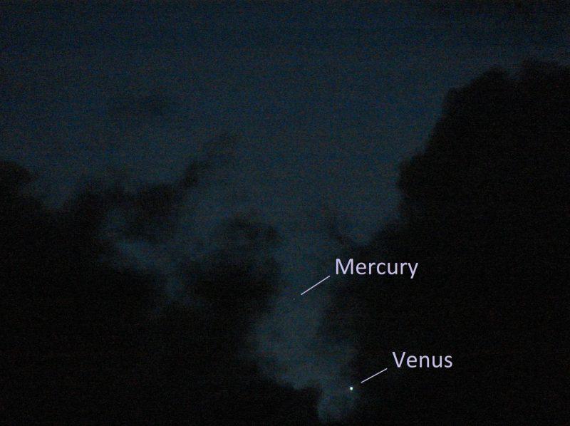 Mercury-Venus, in a darkening sky, annotated.